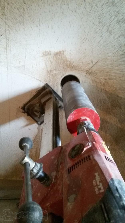Как сделать отверстие под трубу в стене